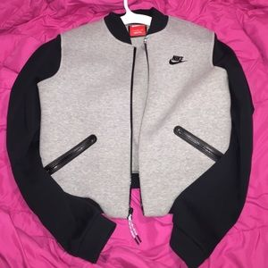19 off nike jackets blazers nike wmns medium two tone. Black Bedroom Furniture Sets. Home Design Ideas