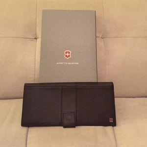 Victorinox Handbags - Victorinox fine leather travel wallet