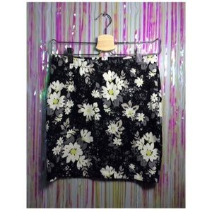 Candies Bodycon Floral Skirt