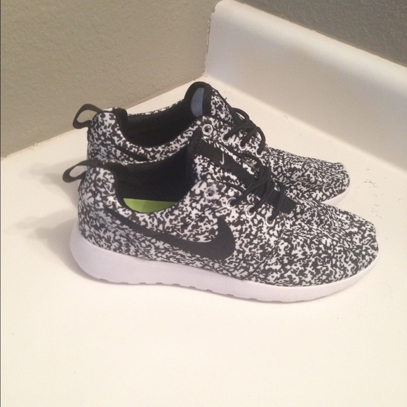 ciljqg 15% off Nike Shoes - New Women\'s Nike Roshe Oreo Speckle Size 8