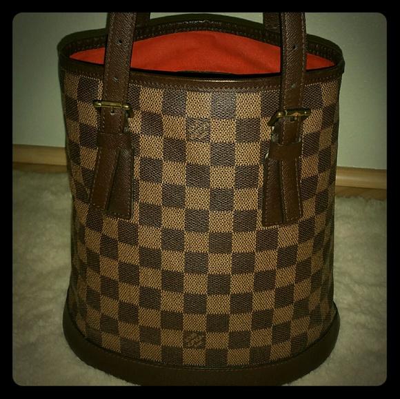 6dc2e7e840ae Louis Vuitton Handbags - Louis Vuitton Ebene Damier Petit Bucket