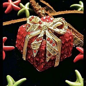 bloomingdales Jewelry - Vintage Bloomingdales Christmas brooches
