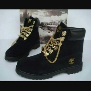 *FINAL PRICE DROP*Black and Gold Timberland Boots
