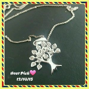 Jewelry - HP 💟 Life of tree necklace