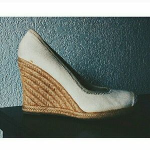Banana Republic Wedge Pump