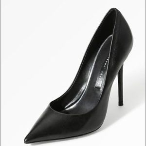 Theysken's Theory Shoes - Theyskens Theory black leather pumps