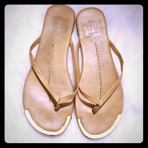 Dolce Vita Tan Thong Sandals Size 6