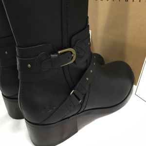 Brand New in a Box UGG W Esplanade Boots (Black)