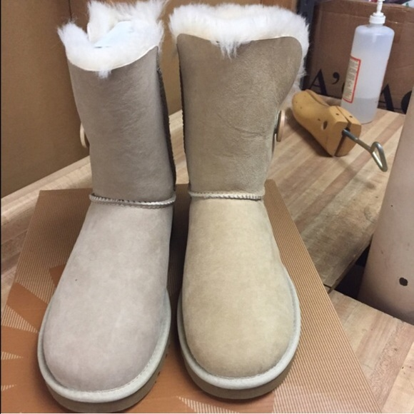 ugg bailey button sand