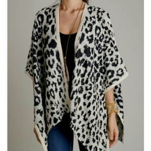 Jackets & Blazers - Spotted Poncho - S