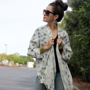 Winter Kate Jasmine Feather Print Wrap