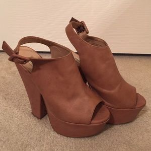 6.5 Steve Madden 6in brown leather peep toe heels