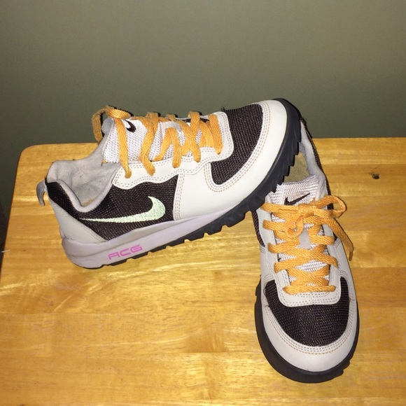 Elegant Nike Woodslide 2 Hi Womens Size 5 New Black Bordeaux ACG Boot  EBay