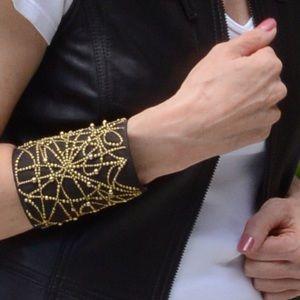 Jewelry - Large cuff
