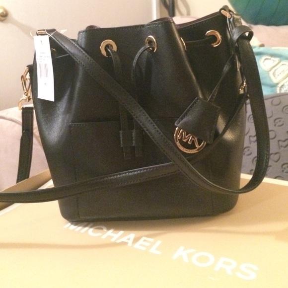 947e671a0b4a3 Micheal Kors Greenwich Black Leather Bucket Bag