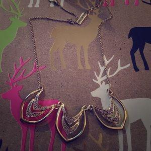 Jewelmint Jewelry - Jewelmint Chevron necklace