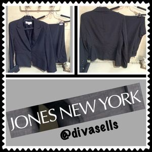 Jones New York Other - Jones New York Pant Suit