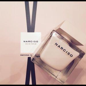 Narciso Rodriguez 3-piece eau de parfum gift set.