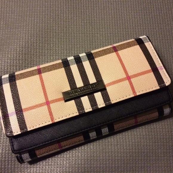 Burberry Handbags - brand new class A burberry wallet for women 84ee551df3