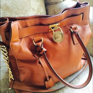Michael Kors Handbags - Michael Kors Hamilton