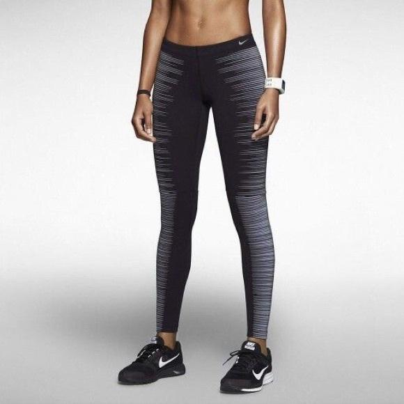 c783bc51b1b6b Nike Flash Glow Leggings. M_565f010c6ba9e60ffa04ca76