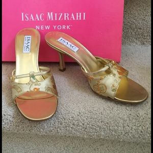 Isaac Mizrahi New York Gold Lame'    Sz 7 1/2