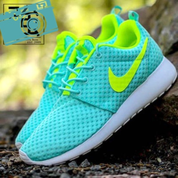 9abb133c5f4e New Nike roshe roshes teal white neon blue green