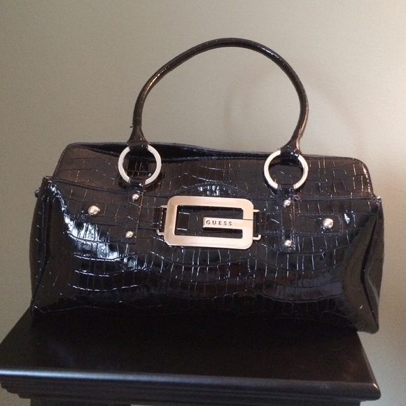 how to clean a white patent leather coach purse