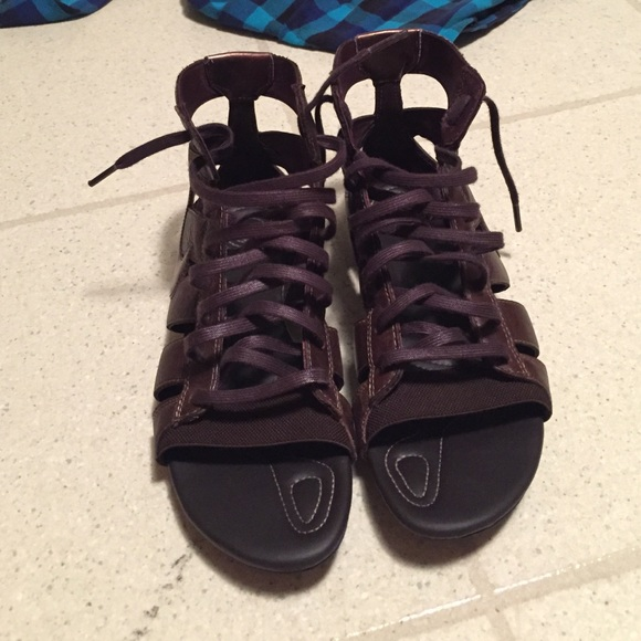 Nike Shoes   Brown Bronze Lace Up