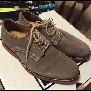 14th & Union Shoes - Grey Suede Wingtips