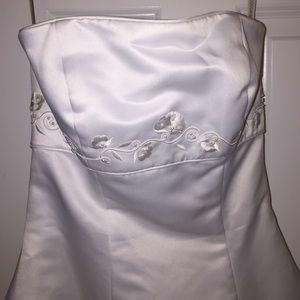 Gloria Vanderbilt Dresses - 👰🏾Gloria Vanderbilt strapless wedding dress 💍
