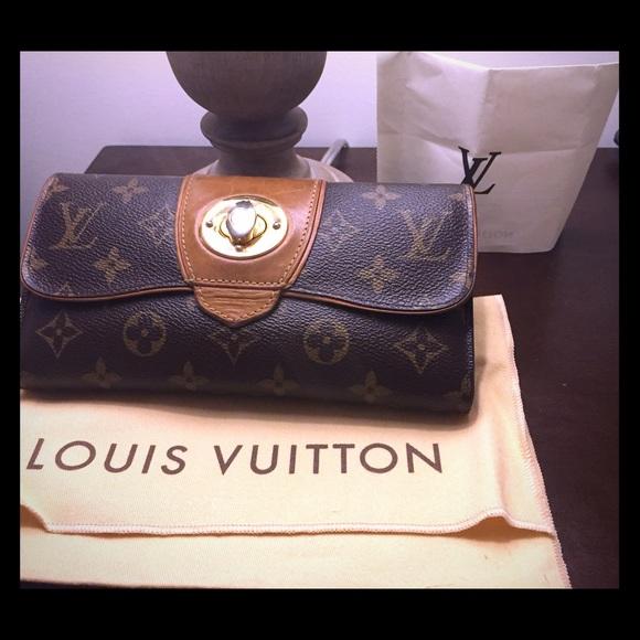 dbd82722bb39 Louis Vuitton Handbags - AUTHENTIC LOUIS VUITTON MONOGRAM BOWTIE WALLET