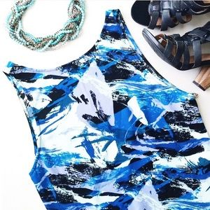 Dresses & Skirts - Open back shift dress