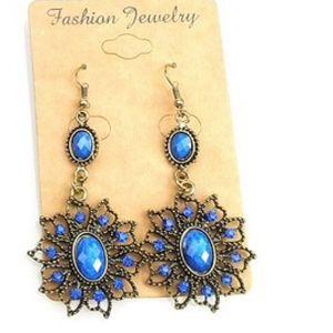 SALEBeautiful fashion earrings