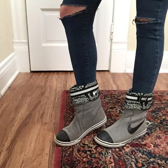 Nike Women s Glencoe Boot Sz. 7. M 5660da6c5a49d0e994000292 608711043