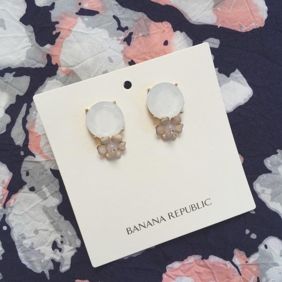 Banana Republic Jewelry - NEW Banana Republic Stone with Flower Earrings