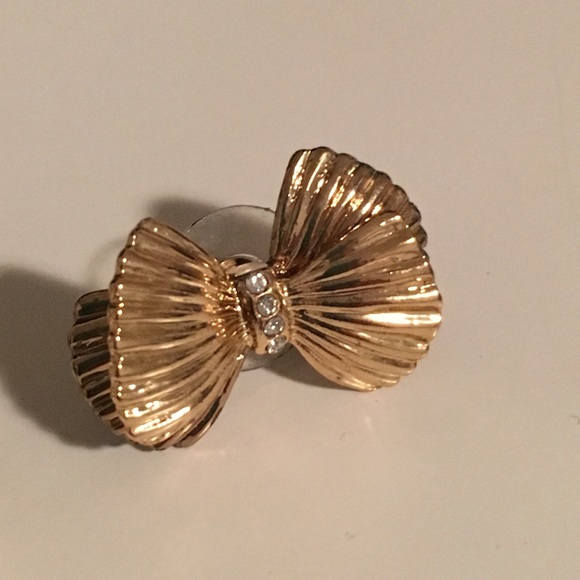 Lilly Pulitzer Jewelry - Lilly Pulitzer gold bow earrings