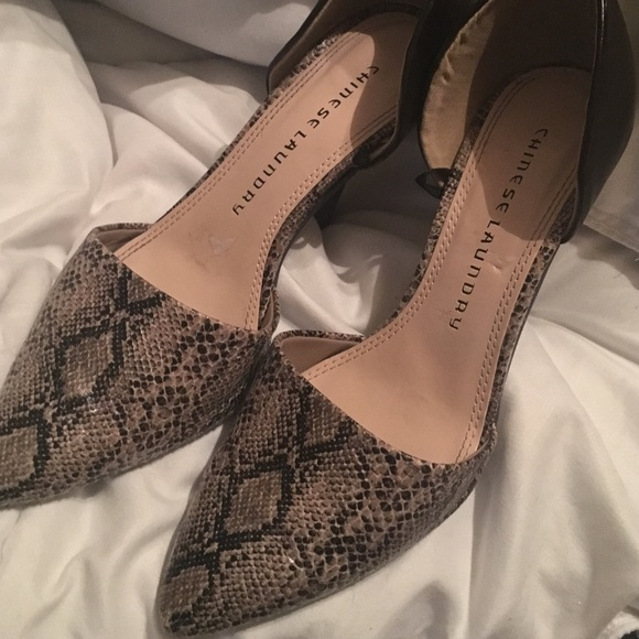 17e4a24a6f1 Chinese laundry snakeskin pumps