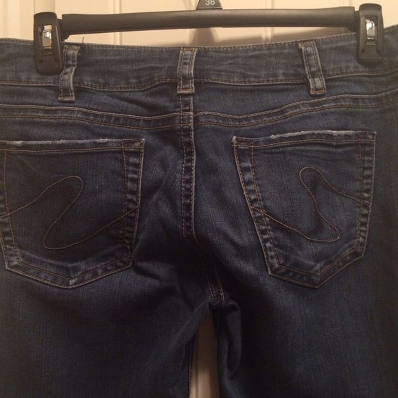 85% off Silver Jeans Denim - Silver Jeans size 33 from Tal&39s