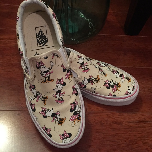 VANS-Disney edition slip on sneakers-Minnie Mouse.  M 56611d3578b31c6af50035c1 af7cc1037