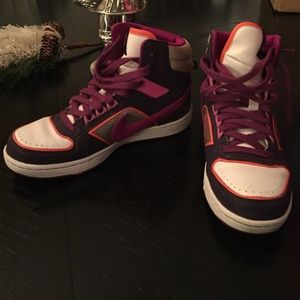 Nike women's high top sz 6