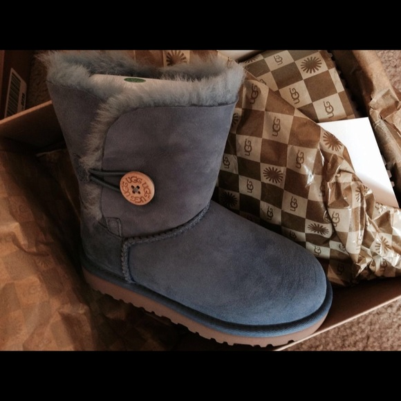 Ugg kids boots Bailey button. Size 11.