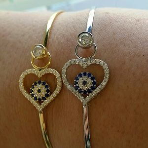 Jewelry - Heart bangle-price is for 1