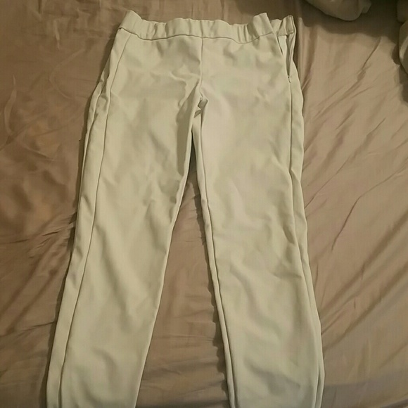 eba795409a1fa Express Pants - Express sz2 faux leather cream skinny pants