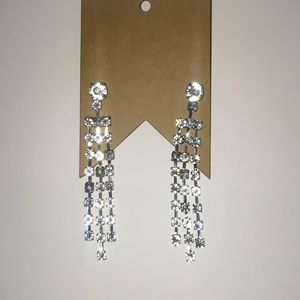 Jewelry - NWT Crystal Dangles