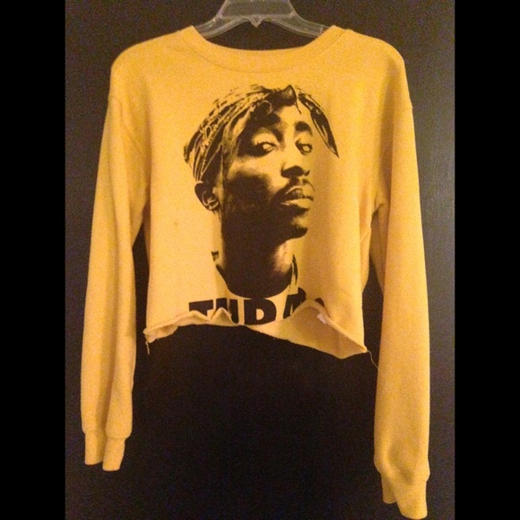 bac736e1c31867 Forever 21 Tops - Yellow Tupac Crop Top Sweater