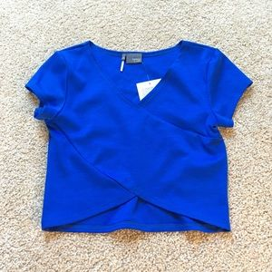 NWT UO blue cropped top xs
