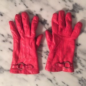 Gorgeous leather gloves in bright salmon