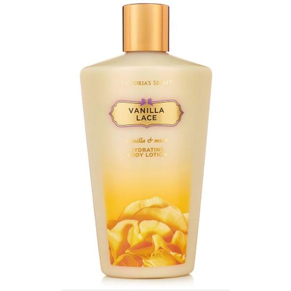 0277a6ce8d DISCONTINUED Victoria s Secret Vanilla Lace Lotion