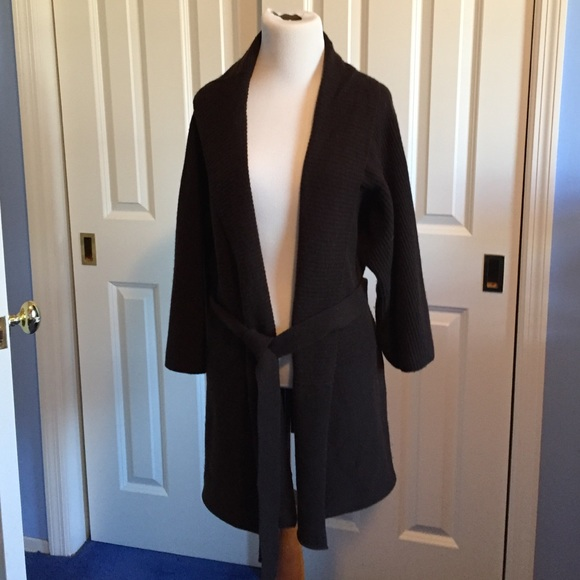 Cashmere 390 - Dark brown cashmere cardigan from Hope's closet on ...